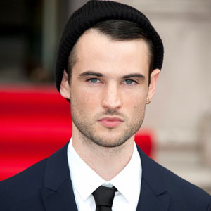 tom sturridge gif hunt