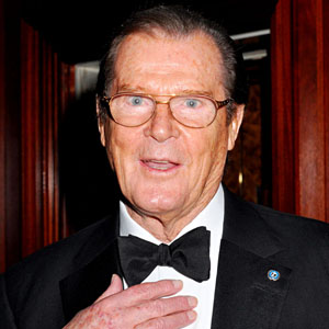 "Roger Moore dead 2014"" : Former James Bond killed by internet"
