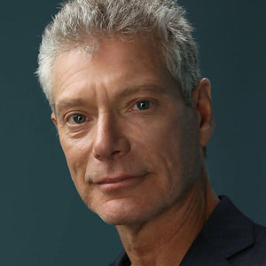 stephen lang biceps