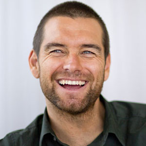 antony starr height