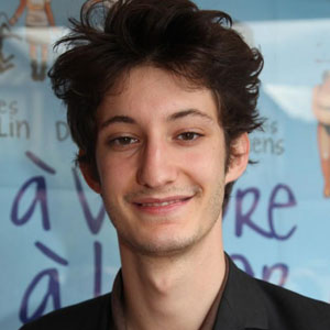 pierre niney l 39 acteur fran ais le mieux pay en 2017 m diamass. Black Bedroom Furniture Sets. Home Design Ideas