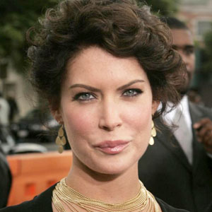 lara flynn boyle surgery before and after