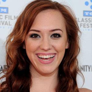 Andrea Bowen all movies