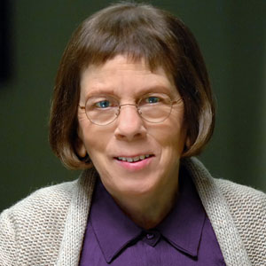 Linda Hunt Highest-Paid Actress in the World - Mediamass