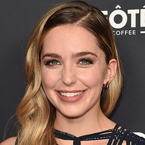 Jessica Rothe News Pictures Videos And More Mediamass